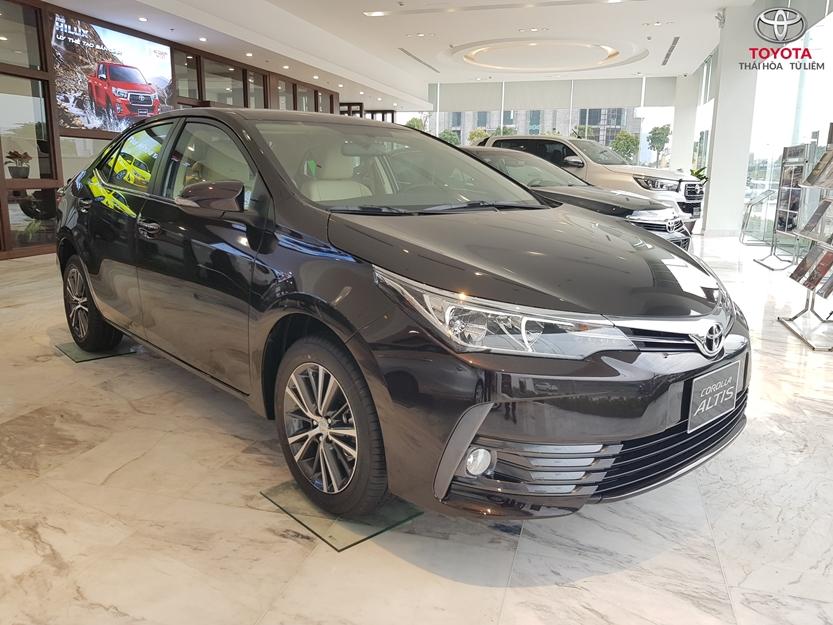 Giá xe Toyota Altis khuyến mãi tháng 11 và 12